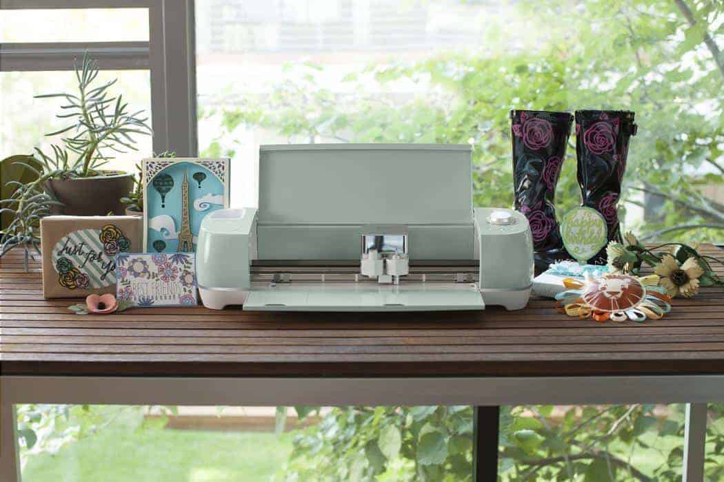 the cricut explore air 2 is the latest top of the line cricut vinyl machine product it is the best cricut machine 2018 has on the market - Best Vinyl Cutter