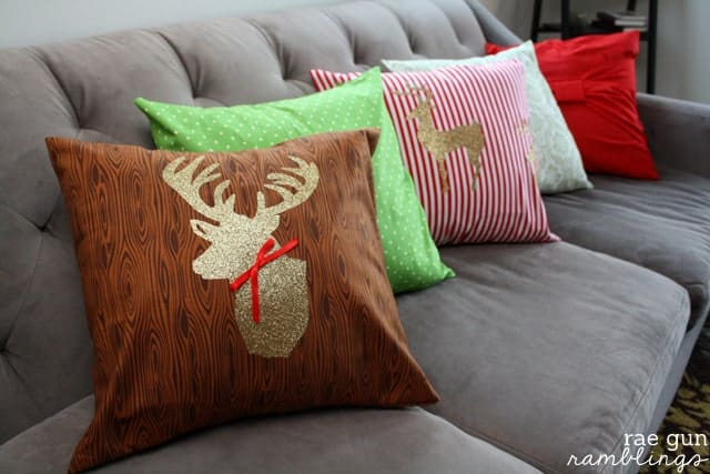 Christmas-Deer-Pillow-Case-Cover-Tutorials-003s