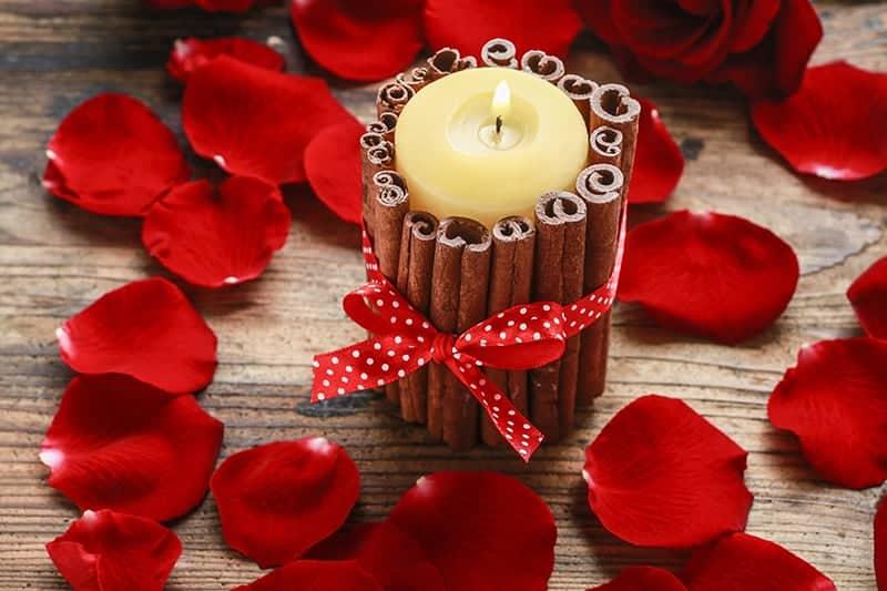 Cinnamon Stick Candle DIY Gift Idea