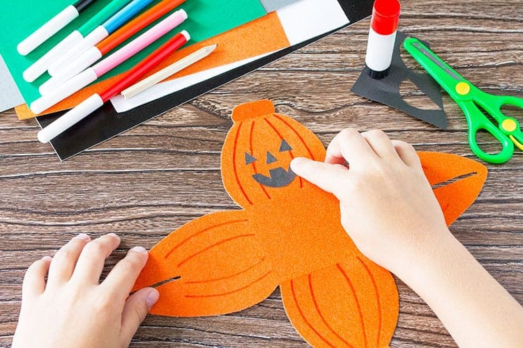 Create a gift box of Halloween pumpkin