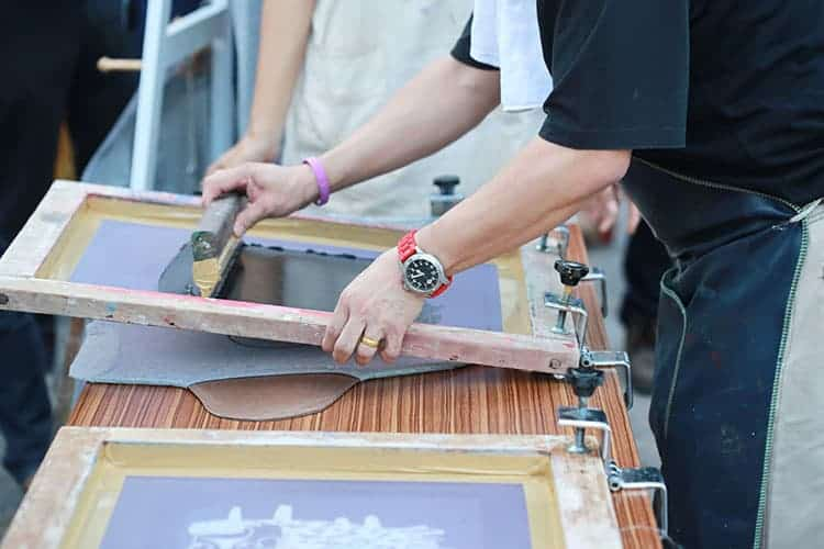 Screen Printing Vs. Heat Press Printing