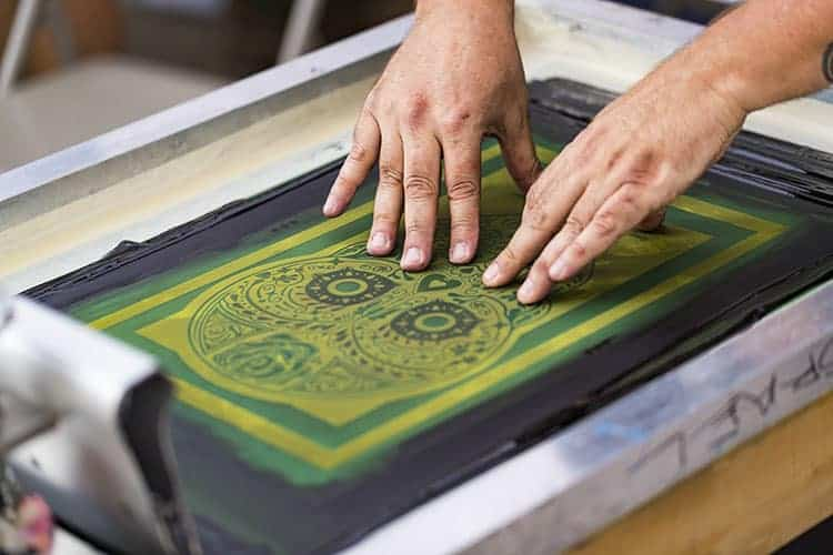 t shirt heat press vs screen printing