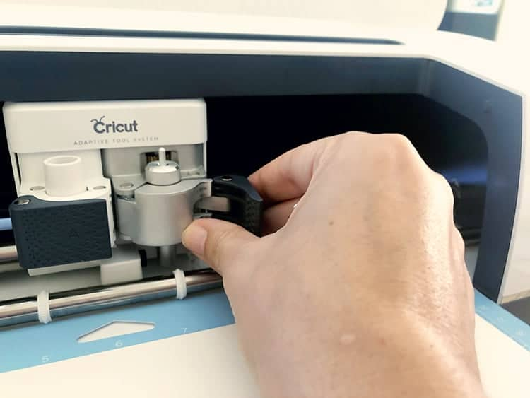 How to change the blade on a Cricut Maker machine