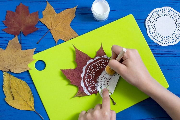 Easy Kids Autumn Leaf Craft