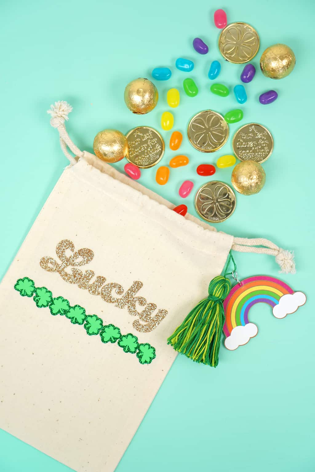 St.-Patricks-Day-Treat-Bags-with-Cricut-Featured