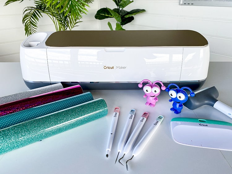 What can a Cricut Maker do