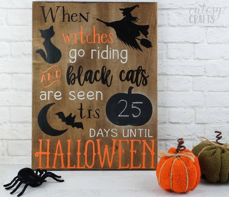 Cricut Halloween Decoration – Chalkboard Countdown