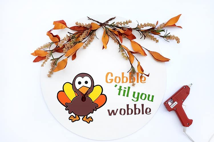 Step by Step Tutorial Thanksgiving Round Wood Sign