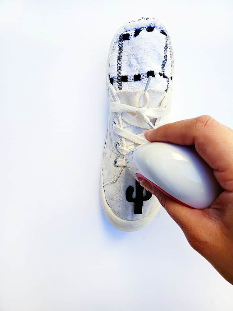 How to put Vinyl on Shoes