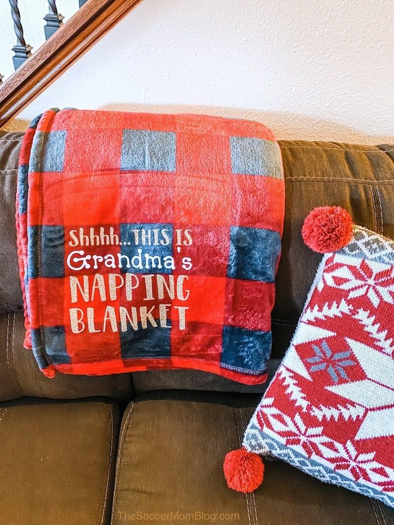 Nap-Blanket-DIY-1