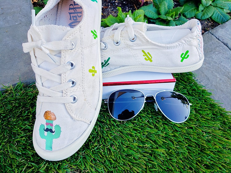 how to put htv on canvas shoes