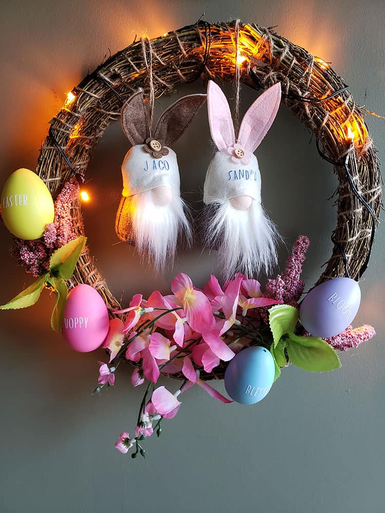 DIY-Cricut-Easter-Wreath-with-Eggs-and-Gnomes