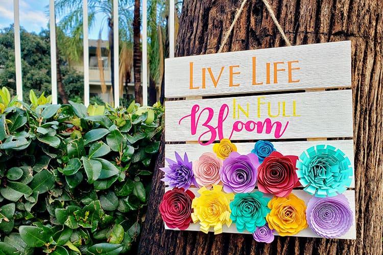 Feature--Spring-Cricut-Sign-for-Garden