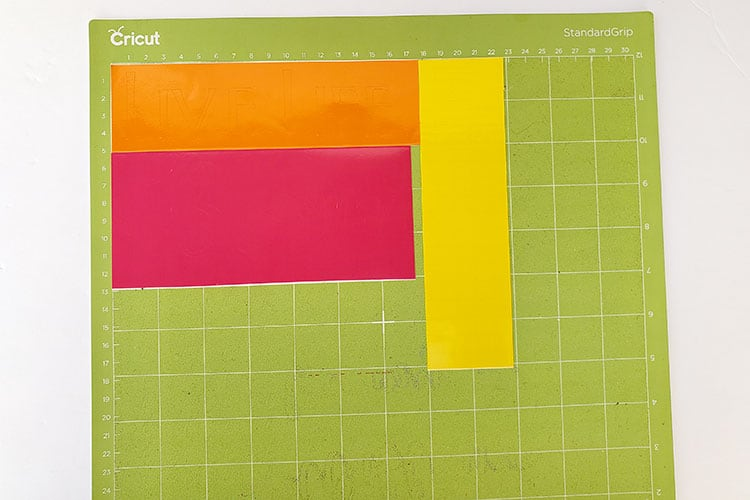 How-to-cut-multiple-colors-on-one-mat