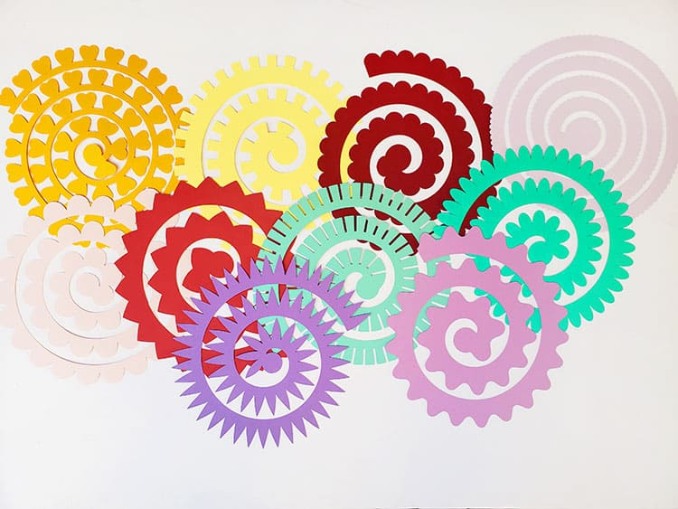 How-to-make-rolled-paper-flowers