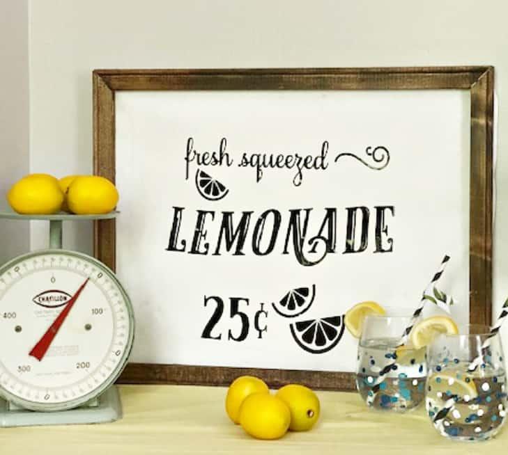 lemonade-sign-with-lemons