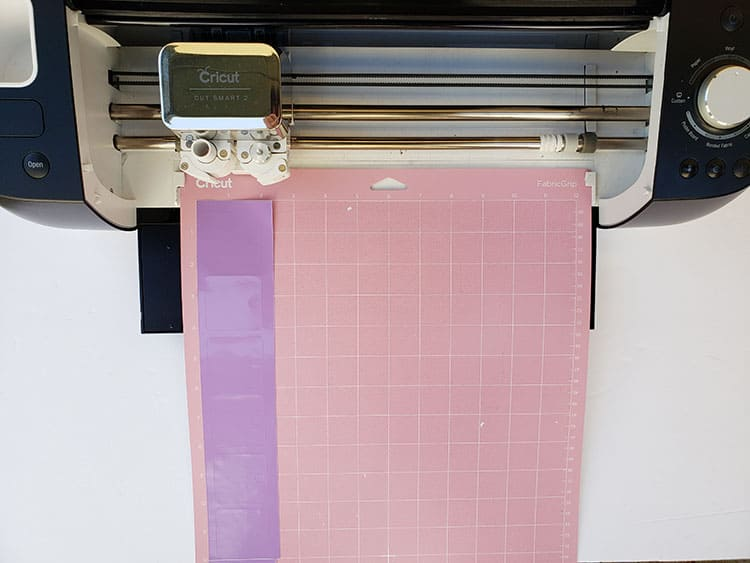 Cutting-adhesive-vinyl-on-CEA2