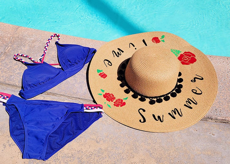 DIY-Personalised-Floppy-Beach-Hat-with-a-Cricut