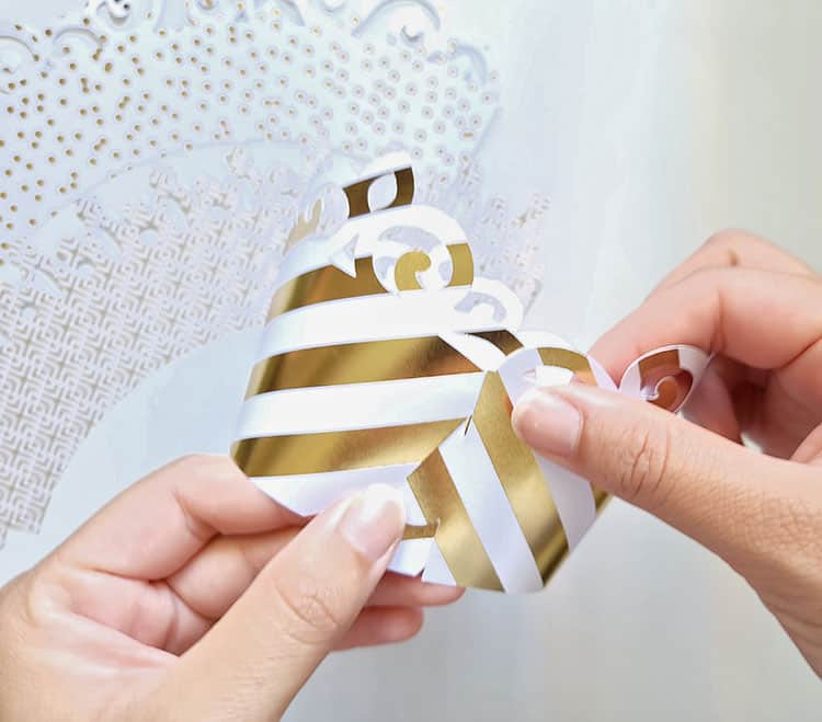 How-to-make-a-cricut-cupcake-wrapper