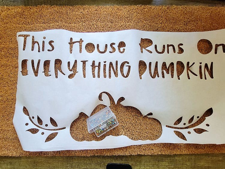 How-to-make-a-doormat-with-freezer-paper